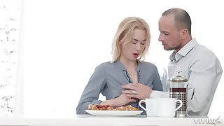 Blonde amateur babe Via Laseiva pounded in the kitchen by an older guy