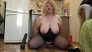 Geile Mollige Hausfrau Treibt Es In Der Kuche