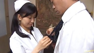 Down in the mouth Japanese girl Hina Hanami gives a BJ to a unpremeditated doctor